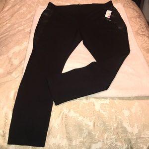 942ec38fdb2 Roz   Ali Pants - BNWT Roz Ali Plus Size 2X Black leather Leggings!